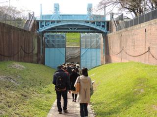 walk02.jpg